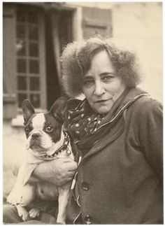 Colette et Souci (photo: Thérèse Le Prat, French Bulldog Art, French Bulldogs, Bulldog Images, One Duck, Boston Terrier Dog, Wise Women, Vintage Dog, Dog Photos, France