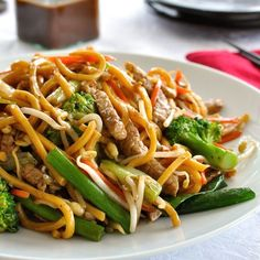 The ultimate guide to make your own stir fry noodles using whatever ingredients you have and a easy homemade All Purpose Chinese Stir Fry Sauce. Chinese Stir Fry Noodles, Chinese Stir Fry Sauce, Hokkien Noodles Recipe, Fried Noodles Recipe, Stir Fry Recipes, Noodle Recipes, Cooking Recipes, Asian Recipes, Healthy Recipes