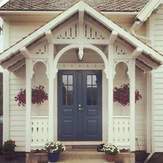 House Design, House Front, House, Custom Homes, House Front Porch, Back Doors, Scandinavian Cottage, Exterior Doors, Victorian Porch