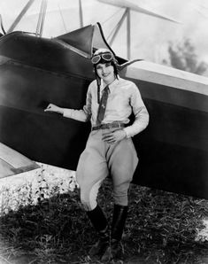 """kittyinva: """"Kittyinva: Late 1920′s photo of actress and aviatrix Ruth Elder. Ruth was the first woman to attempt to cross the Atlantic by plane in Oct., 1927. (1902-1977) """""""