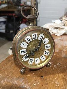 Antico orologio e sveglia da tavolo Blessing finemente decorato