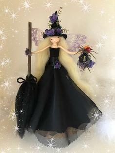 Clothespin Crafts, Clothespin Dolls, Doll Crafts, Diy Doll, Art O Mat, Witch Dolls, Halloween Fairy, Mermaid Fairy, Felt Fairy