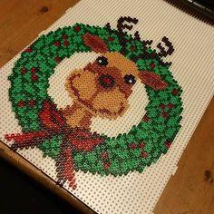 CROSS-STITCH - BRODERIE - BORDUURWERK - REINDEER - DEER / RENNE - CERF / RENDIER - HERT - Rudolph Christmas wreath hama beads by jannickeriksson