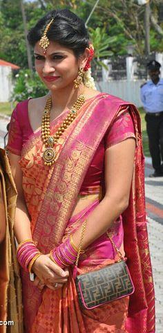 Indian Wedding Jewelry, Indian Bridal, Indian Weddings, Pattu Sarees Wedding, Bridesmaid Saree, Wedding Saree Collection, Saree Models, Elegant Saree, South Indian Bride