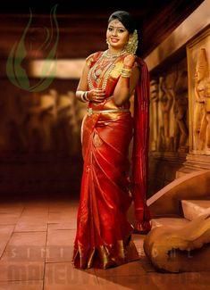 Portfolio of Simi's Bridal Makeover Studio Kerala Hindu Bride, Indian Bride Poses, Bridal Sarees South Indian, Indian Wedding Poses, South Indian Bridal Jewellery, Bridal Silk Saree, Indian Bridal Fashion, Kerala Wedding Photography, Wedding Saree Collection
