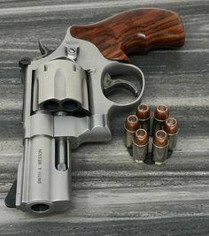Airsoft Guns, Weapons Guns, Guns And Ammo, Smith And Wesson Revolvers, Smith Wesson, Armas Ninja, Revolver Pistol, 357 Magnum, Custom Guns
