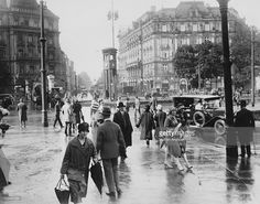 Potsdamer Platz in Berlin, Germany, with the Palast Hotel on the right and the traffic light tower in the centre, circa 1930.