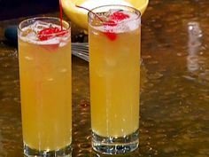Emeril Lagasse mixes a Whiskey Sour with his own sour mix and starts on Delmonico's House Salad. Whiskey Sour Mix, Good Whiskey, Whiskey Drinks, Black Whiskey, Bourbon Whiskey, Whisky, Fun Drinks, Yummy Drinks, Alcoholic Drinks