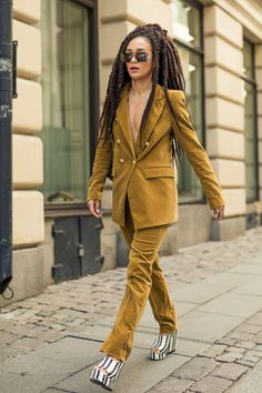 Some of the Best Stockholm Street Style Looks From Fashion Week Stockholm Fashion Week, Stockholm Street Style, Milan Fashion Weeks, Paris Street, Street Chic, London Fashion, Everyday Outfits, Everyday Fashion, Trends