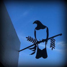 Kereru Metal Bird garden sculpture from The Garden Party Bird Stencil, Damask Stencil, Stencils, Maori Patterns, Metal Garden Art, Wooden Garden, Maori Designs, New Zealand Art, Nz Art