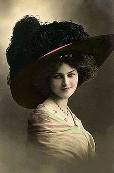 1900 Victorian Women in Hats Vintage Photos on CD ROM Scrapbooking Art Framing for sale online Photo Vintage, Look Vintage, Vintage Beauty, Vintage Ladies, Belle Epoque, Victorian Hats, Victorian Women, Burlesque Vintage, Album Vintage