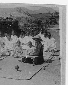 Fr. Wilhelm teaching catechism, Seoul, Korea, 1911  :: Maryknoll Mission Photography Archive, USC. (high res and more at site)