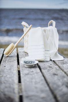 KASTE towel, 100% washed linen, woven in Finland by Lapuan Kankurit, design Anu Leinonen.