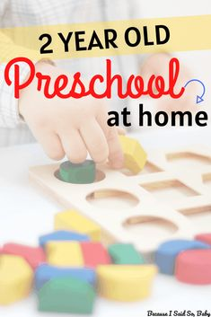 Learn how to structure the day for toddlers and preschoolers for preschool at home. This daily routine provides resources for stay-at-home preschool. Home Learning, Toddler Learning, Learning Activities, Preschool Activities, Toddler Home Activities, Educational Games For Toddlers, Kindergarten Learning, Preschool Curriculum, Educational Websites