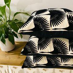 Crane flocking linen cushions