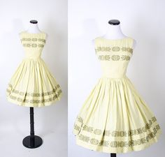 Do not get tired of these dresses. Another vintage 50's.
