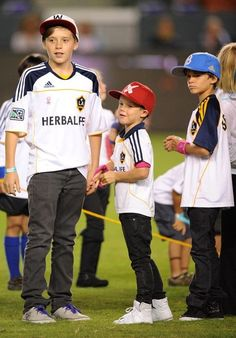 LA Galaxy  ATHLETIC COUPLES The Cutest Thing Ever !  Hey Baby ❤ Shut up, I'm still Talking To You . I been Waiting All Day ! ShutUpWilliams #beerstaff