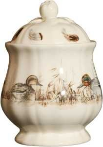 Crafted of easy-to-clean earthenware, this sugar bowl flaunts scalloped detailing and a charming woodland motif. Gien France, Animal Painter, Wild Rabbit, Earthenware, Sugar Bowl, Dinnerware, Tea Cups, Wildlife, Porcelain
