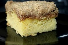 Katherine's Kitchen: Serving Up {Cake}: Starbuck's Coffee Cake Just Desserts, Delicious Desserts, Yummy Food, Breakfast Pastries, Breakfast Time, Breakfast Recipes, Cake Recipes, Dessert Recipes, Eat Dessert First