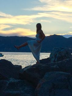 #WhereDoYouBar...?! After hiking through Cinque Terre last weekend, Instructor Karlee enjoyed a beautiful Italian sunset by the water (while squeezing in a little Bar Method of course!). We love seeing our community embrace their bar method love all over the world- send us your pictures at dc-bethesda@barmethod.com to be featured next!