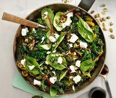 Olivoljefräst kål med fetaost och pumpakärnor #veg