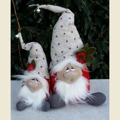 How to Make a {no-sew} Norwegian Gnome! Swedish Christmas, Christmas Gnome, Primitive Christmas, Scandinavian Christmas, Diy Christmas Gifts, Rustic Christmas, Christmas Projects, Christmas Holidays, Felt Crafts