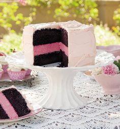 Feeskoek met rooswater-kaaskoekvulsel. Cakes And More, Vanilla Cake, Cake Recipes, Olie, Desserts, Food, Tailgate Desserts, Deserts, Easy Cake Recipes