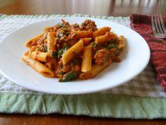 Spinach ground beef pasta dish