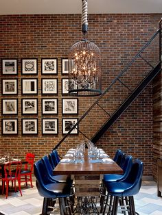 35 Awesome Exposed Brick Walls Design Ideas - The type and condition of the brick will play a big part in deciding how to decorate the room. In some cases, if the brick wall is not in the best con. Brick Interior, Interior Walls, Interior Design, Kitchen Interior, Interior Ideas, Red Brick Walls, Exposed Brick Walls, Black Brick Wall, Brick Art