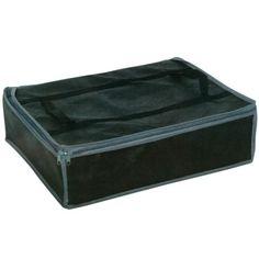 Boîte de rangement dim. 46x36x13 cm, polypropylène, avec housse sous-vide dim. 69x60x34 cm, polyamide et polyéthylène.