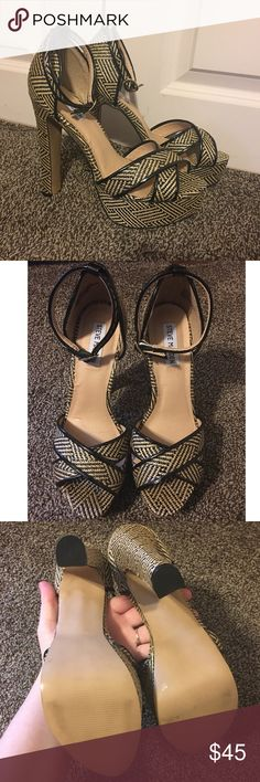 Steve Madden P-Rada Raffia Platform Heels Excellent used condition Steve Madden platforms. These have a black and cream raffia design. There is some normal wear and tear on these but overall in great shape. Sized 9. All synthetic materials.  Heels measures about 5 and 1/2 inches platform is about 1 1/2 inches. Steve Madden Shoes Platforms