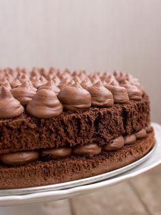 Kakaový dort s krémem z mascarpone a čokoládové ganache