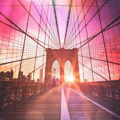 Summer vibes. New York City by Vivienne Gucwa @travelinglens by newyorkcityfeelings.com - The Best Photos and Videos of New York City including the Statue of Liberty Brooklyn Bridge Central Park Empire State Building Chrysler Building and other popular New York places and attractions.