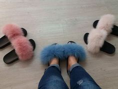 Fur slides and slippers made of real fox and rabbit fur. Step inside NOW to find all colors of fur sandals and shoes in Haute acorn online fur store. Fox Slippers, Fluffy Sandals, Fur Sliders, Fluffy Slides, Fur Accessories, Model Outfits, Ciabatta, Sneaker Boots, Shoes