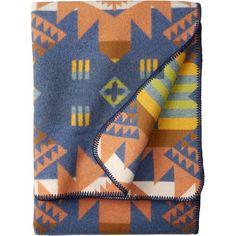 Craftsman Collection Blanket Pendleton Round Up, Pendleton Wool Blanket, Pendleton Woolen Mills, Woven Fabric, Cotton Fabric, Vintage Blanket, Weaving Techniques, Wool Yarn, Craftsman