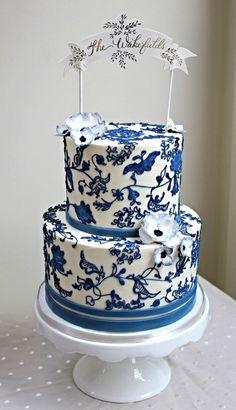 What a unique wedding cake