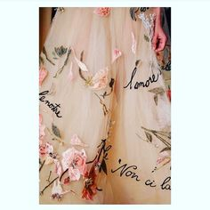 So much love for this @maisonvalentino - you are killing us with coolness. #maisonvalentino #couture #embroidery #weddingdress #pink #love #skirt #wedding #bellebridalmagazine http://gelinshop.com/ipost/1518119556487355935/?code=BURcbF7AJ4f