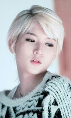 How is this even fair towards the rest of the girls in the world, Ren you are so damn beautiful