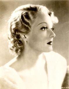 Bette Davis born as Ruth Elizabeth Davis in Neuilly sur Seine, France on 5 April 1908. She died 6 October 1989.