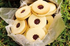 """Jammy dodgers - """"With a sweet jam centre, everyone will be thanking you for making these delightful cookies. Jammie Dodger Recipes, Homemade Jammie Dodgers, Jammy Dodgers, Doctor Who Birthday, Doctor Who Party, No Bake Desserts, Just Desserts, Dessert Recipes, Dessert Ideas"""