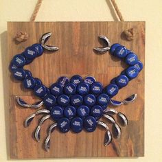 Bud Light Bottle Cap Blue Crab by TheTipsyTiger on Etsy with coke caps! Beer Cap Art, Beer Bottle Caps, Bottle Cap Art, Beer Caps, Bottle Top, Beer Cap Crafts, Cork Crafts, Diy And Crafts, Bottle Cap Projects