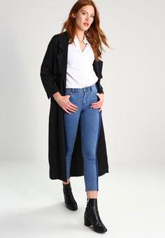 ¡Consigue este tipo de vaquero slim de Dorothy Perkins ahora! Haz clic para ver los detalles. Envíos gratis a toda España. Dorothy Perkins Vaqueros slim fit blue: Dorothy Perkins Vaqueros slim fit blue Ofertas   | Material exterior: 98% algodón, 2% elastano | Ofertas ¡Haz tu pedido   y disfruta de gastos de enví-o gratuitos! (vaquero slim, fit, ajustado, ajustados, stretch, jeans slim fit, jeans slim, jean slim, jeans slim, slim)