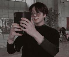 𝓶𝓸𝓸𝓷𝓵𝔂𝓴𝓲𝓼𝓼 Foto Jungkook, Foto Bts, Jimin, Jungkook Cute, Kookie Bts, Jung Kook, Jung Hyun, Taekook, Seokjin