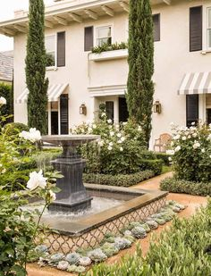 the style saloniste: The Collectors: Patrick Wade and David DeMattei in Beverly Hills #backyard #landscaping #ideas