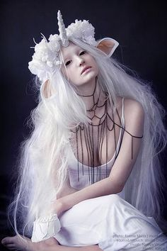 unicorn cosplay - something like that but black, scary and pastel gothy ♥