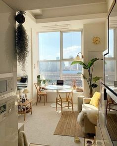 42 Amazing Rustic Minimalist Apartment Interiors Design - You are in the right place about minimalist decor Here we offer you the most beautiful pictures ab - Appartement Design, Minimalist Apartment, Minimalist House, Minimalist Lifestyle, Dream Apartment, Small Cozy Apartment, Small Apartment Design, Apartment Goals, Studio City Apartment