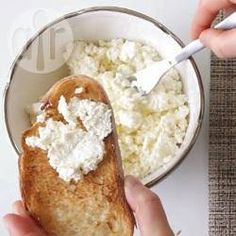 Zelfgemaakte mascarpone of roomkaas ( eigen recept: verwarm room tot 85°C en voeg dan 10% zure kefir wei toe (+/- 5 min roeren en dan afkoelen in de pan )