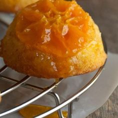 Καραμελωμένες φέτες πορτοκαλιού | Πας Μαγειρεύοντας Strudel, Macaroni And Cheese, Pudding, Ethnic Recipes, Desserts, Food, Tailgate Desserts, Mac And Cheese, Deserts