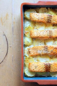 Fehérboros, tepsis lazac Fish Recipes, Seafood Recipes, Gourmet Recipes, Baking Recipes, Crouton Recipes, Hungarian Recipes, Hungarian Food, Killua, Sweets