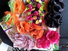 Botones de colores Tul y mini pinzas de flores!  // Tulle flowers ♥